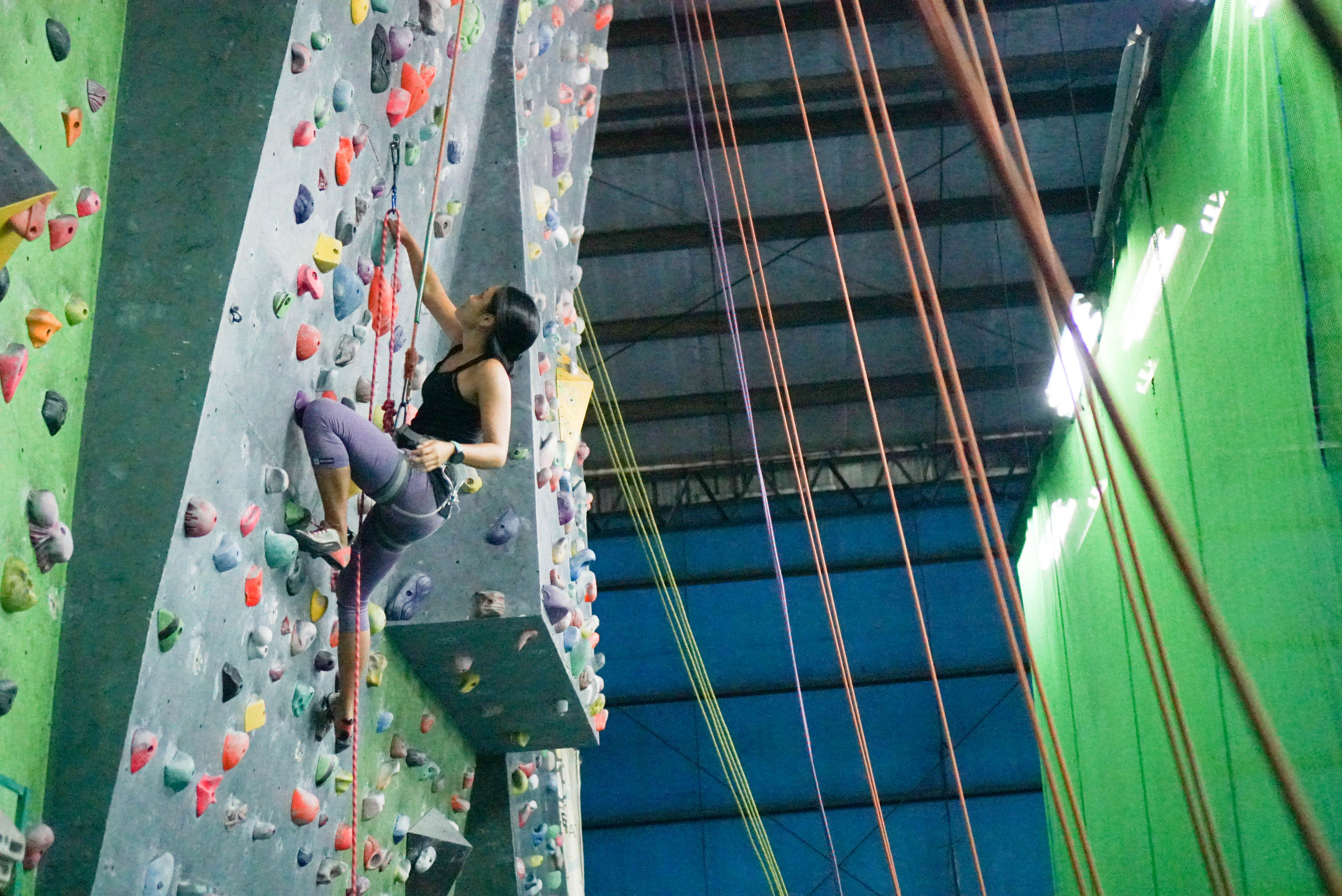 Lead Climbing at Power Up Centro Atletico